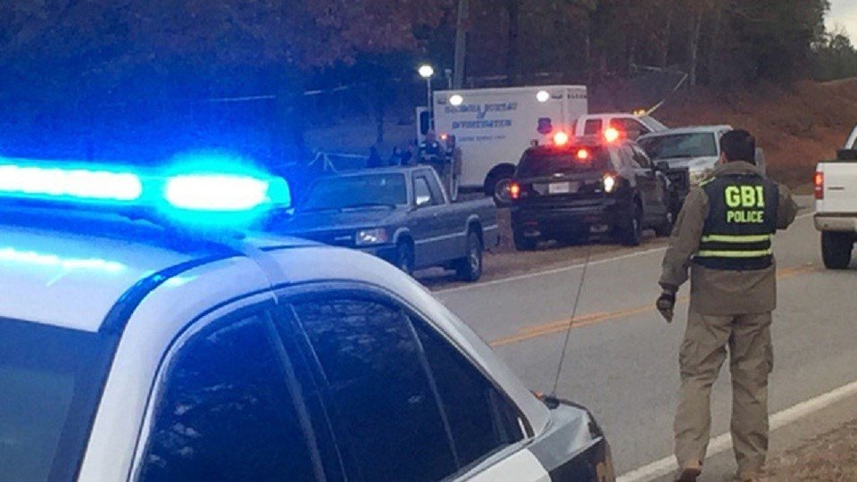 Suspect dies, 2 officers wounded in shooting