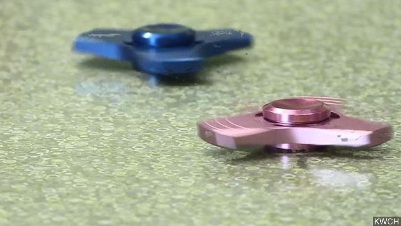 Kids 'devastated' after Dundee primary school bans fidget spinners