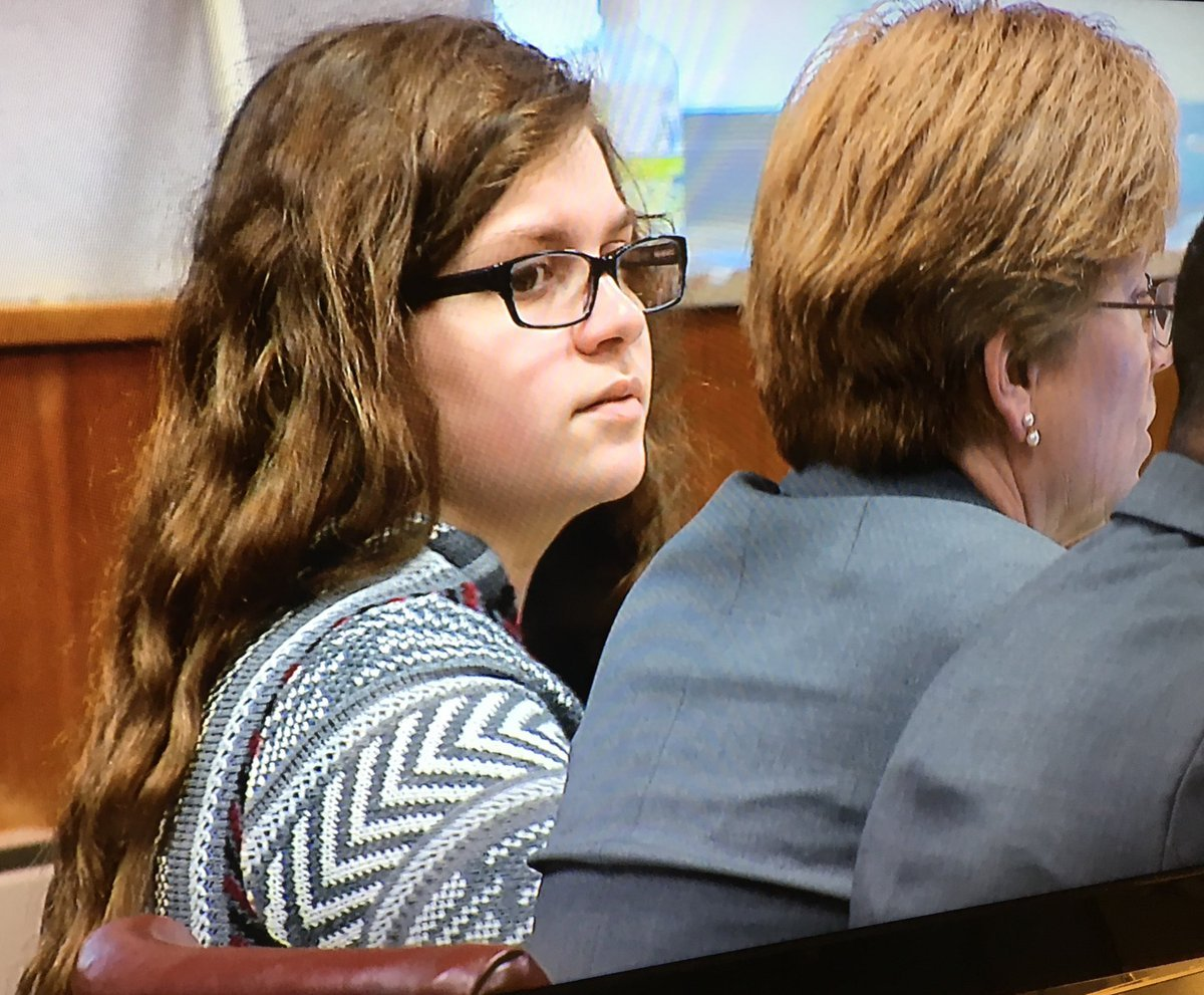 Slender Man stabbing accused were 'delusional', Wisconsin court told