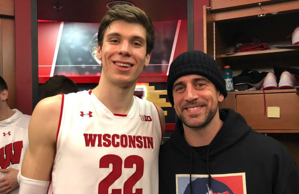 Photo via @BadgerMBB on Twitter