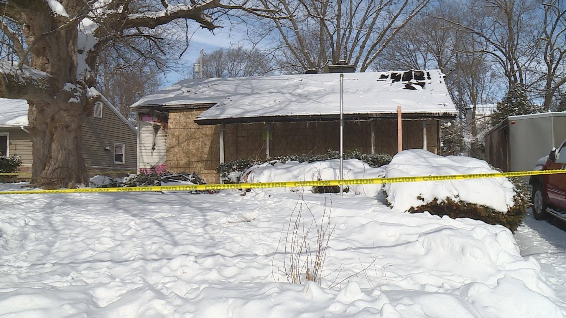 Man dies in house fire on Sheffield Road in Madison.