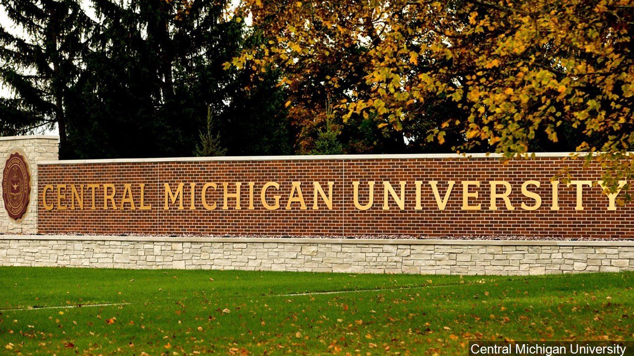 2 killed in shooting at Central Michigan University dorm; suspect at-large