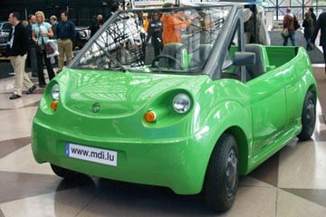 An auto-show prototype of the compressed-air car.
