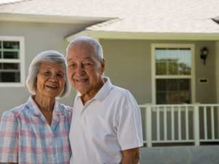 Cash-strapped seniors can benefit from a reverse mortgage. (©istockphoto.com/Lawrence Atienza)