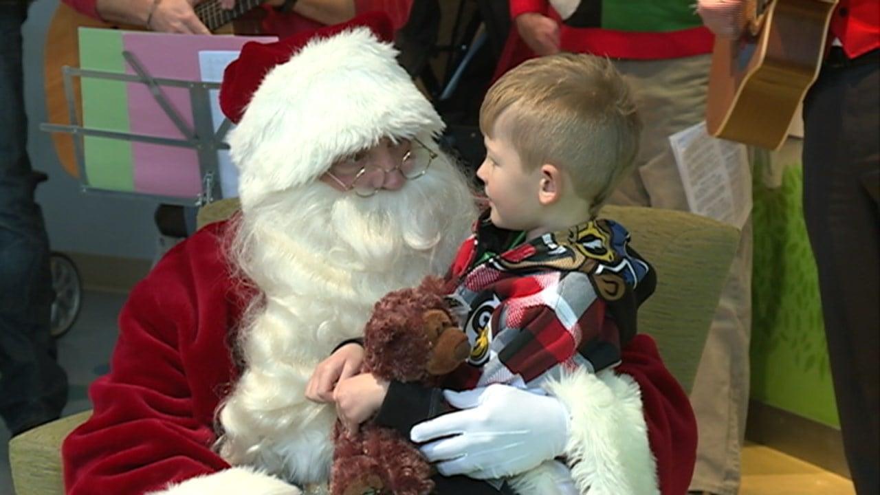 Santa claus visits american family children s hospital