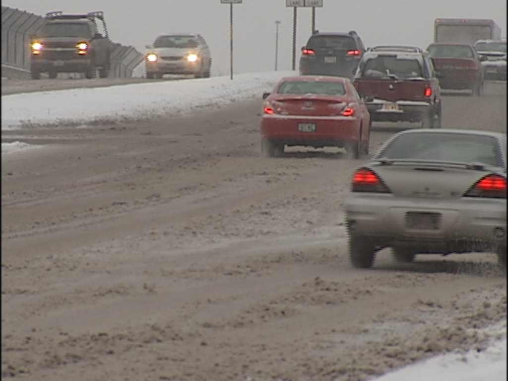 Madisons snow-covered roads (WKOW)