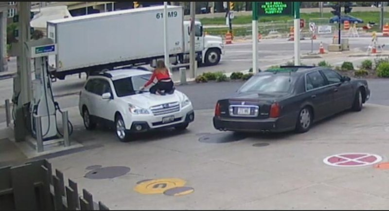 Dramatic Video Shows Wauwatosa Woman Jump On Car To Stop Car The - Rochester car show