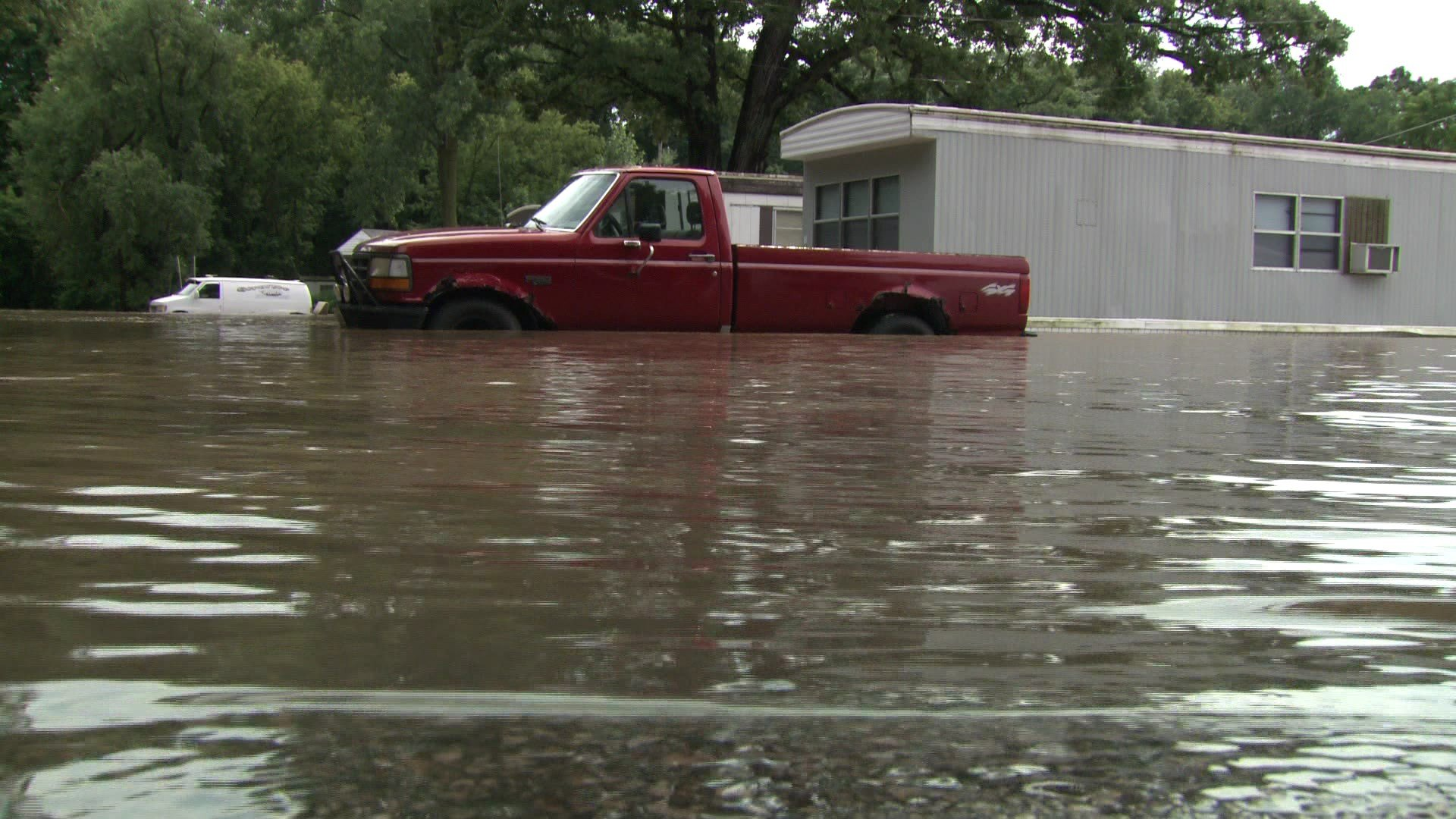 MILWAUKEE AP Flooding Has Forced The Evacuation Of A Mobile Home Park In Southeastern Wisconsin Kenosha County Sheriffs Department Says Crews